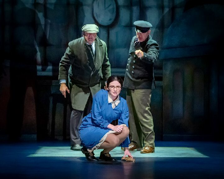 Theater Roy Carruthers Lucy Dixon and Mark Moraghan in BTWOL - Photo credit - Anthony Robling