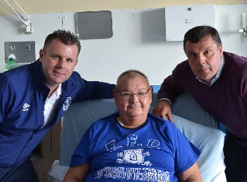 Photographs: Graeme Sharp and Graham Stuart called into see transplant patients at the Royal Liverpool University Hospital to mark National Transplant Week