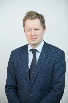 Consultant Colorectal Surgeon Mr Fraser Smith